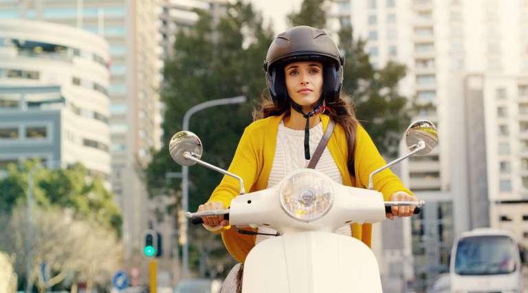 25 km/h Auto mit Mofaführerschein: Ist das erlaubt? | Allianz