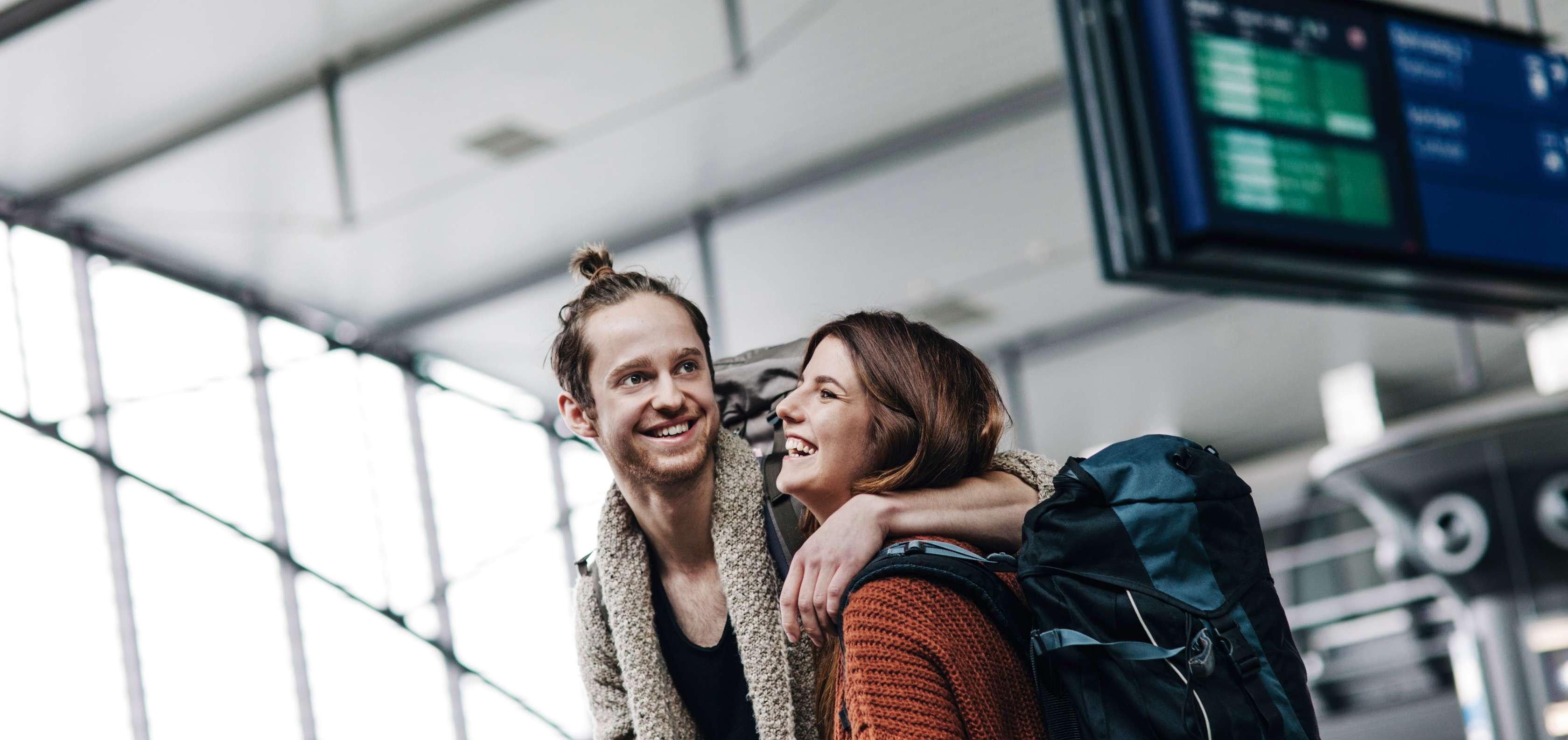 Paar im Urlaub über die Haftpflicht im Ausland versichert